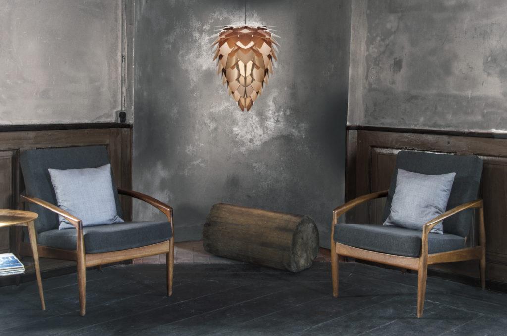 02032_Conia_copper_chairs_in_corner_environment_300dpi_RGB